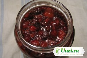 Варенье из клубники и черной смародины Изображение