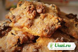 Песочное печенье с изюмом и грецкими орехами Изображение