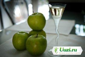 Наливка из яблок Изображение