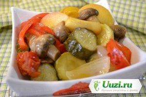 Салат из сезонных овощей Изображение