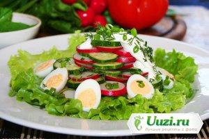 Салат с редисом и перепелиными яйцами Изображение