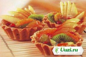 Корзиночки с фруктами и ягодой Изображение