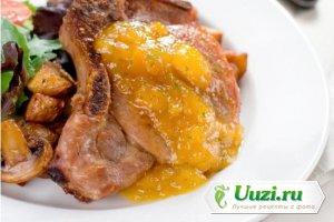 Свиной стейк с фруктами и соевым соусом Изображение
