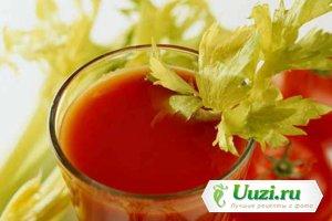 Томатный сок с сельдереем Изображение
