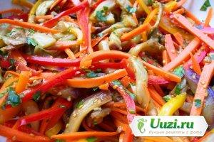 Салат из перца, баклажанов, лука и моркови без уксуса Изображение