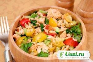 Салат с семгой и овощами Изображение