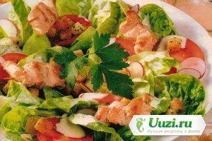 Индейка на шпажках с салатом Изображение