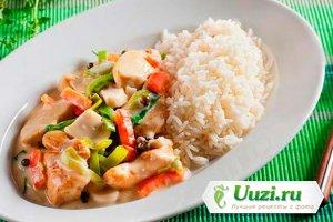 Куриная грудка с овощами и рисом Изображение