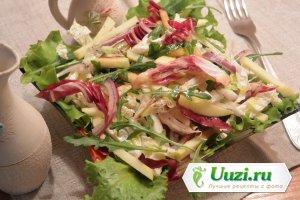 Вкусный салат с капустой и яблоками Изображение