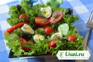 Вкусный салат с помидорами черри и перепелиными яйцами Изображение