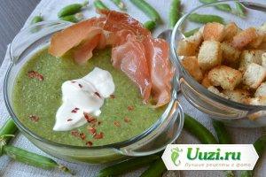 Суп-пюре из зеленого горошка с прошутто Изображение