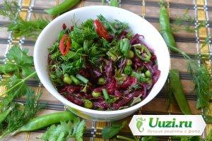 Салат из свеклы и зеленого горошка Изображение