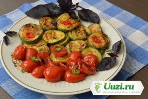 Кабачки и цукини с помидорами Изображение