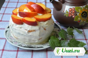 Бисквитный торт с фруктами Изображение