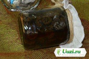 Варенье из зеленых грецких орехов Изображение