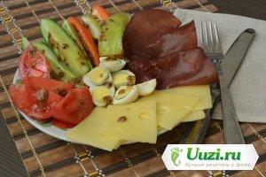 Овощной салат с перепелиными яйцами Изображение