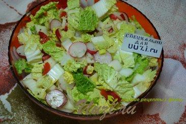 Салат с пекинской капустой Изображение