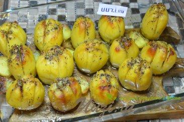 Картофель в духовке Изображение