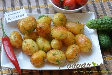 Молодая картошка с укропом Изображение