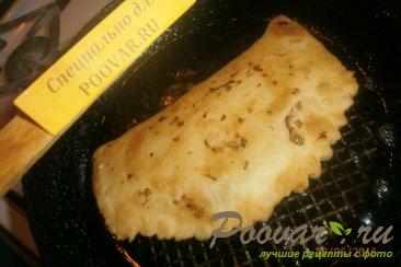 Чебуреки с сыром из слоёного теста Шаг 8 (картинка)