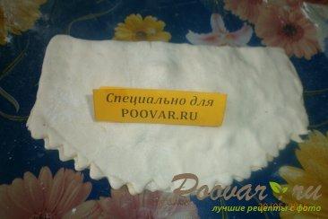 Чебуреки с сыром из слоёного теста Шаг 6 (картинка)