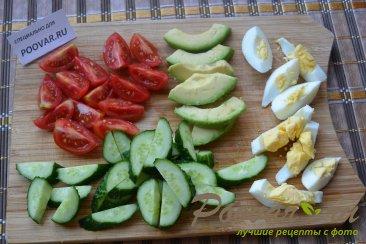 Салат с авокадо и зеленым горошком Шаг 3 (картинка)