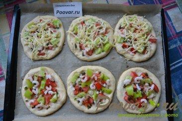 Мини пицца с креветками в духовке Шаг 5 (картинка)