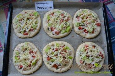 Мини пицца с креветками в духовке Шаг 6 (картинка)