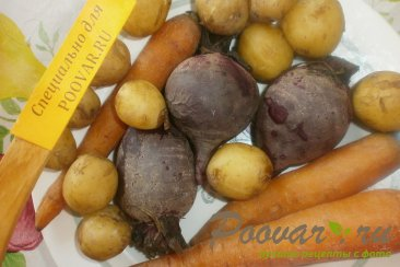Овощное рагу с капустой, свеклой, морковью и картофелем Шаг 1 (картинка)