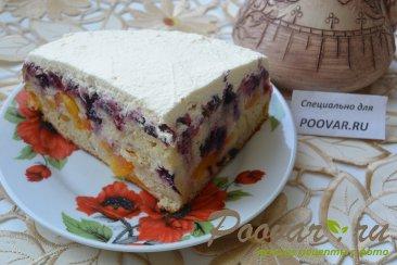 Простой пирог с ягодой Изображение