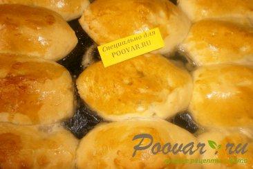 Пирожки со сливами в духовке Изображение