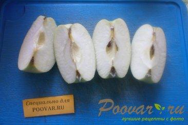 Шарлотка с яблоками и изюмом Шаг 2 (картинка)