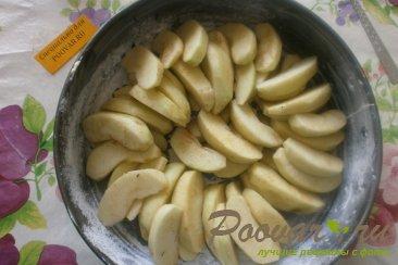 Шарлотка с яблоками и изюмом Шаг 11 (картинка)