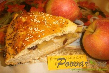 Пирог с яблоками из дрожжевого теста Изображение