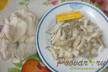 Свиные рёбрышки с алычой, грибами в духовке Шаг 6 (картинка)