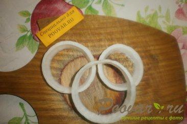 Яйца в луковых кольцах Шаг 3 (картинка)