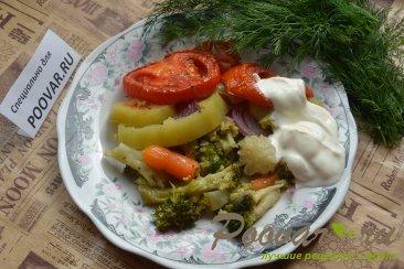 Брокколи с овощами Изображение