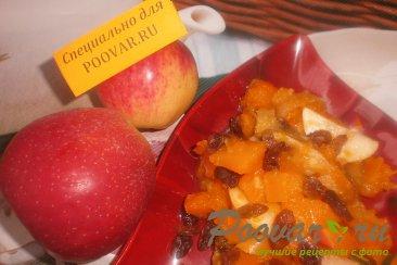 Тыква с яблоком и изюмом Изображение