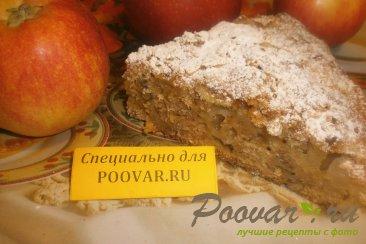 Пирог с яблоками и орехами Изображение