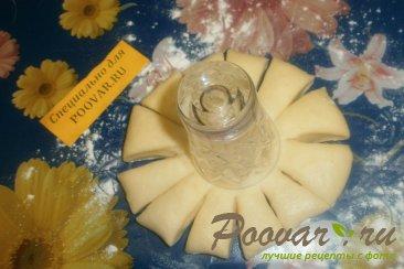 Булочка - цветок с перцем, помидорами и сыром Шаг 10 (картинка)