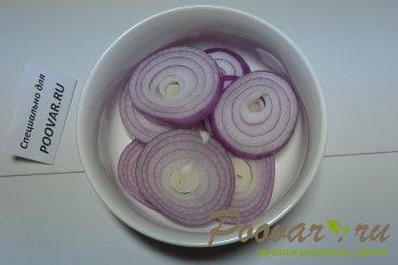 Бутерброды с маринованным луком и рыбой Шаг 1 (картинка)