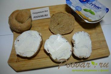 Бутерброды с маринованным луком и рыбой Шаг 4 (картинка)