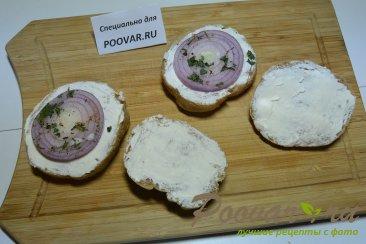 Бутерброды с маринованным луком и рыбой Шаг 5 (картинка)