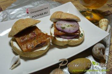 Бутерброды с маринованным луком и рыбой Шаг 8 (картинка)