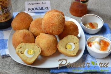 Картофельные крекеры с перепелиными яйцами Изображение