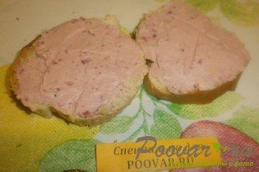 Бутерброды с печёночным паштетом и грудинкой Шаг 7 (картинка)