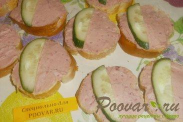 Бутерброды с печёночным паштетом и грудинкой Шаг 9 (картинка)