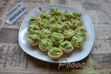 Тарталетки с авокадо Новогоднее блюдо. Изображение