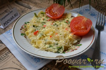 Макароны с яйцами и сыром Изображение
