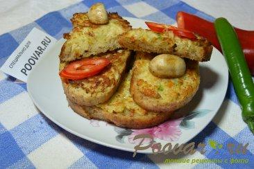 Горячие бутерброды с луком, сыром и яйцом Изображение